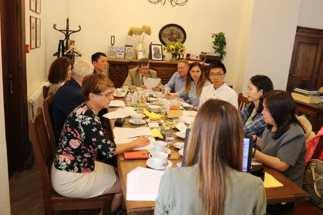 Tłumaczenie ustne podczas przyjazdu delegacji chińskiej z prowincji Henan do Wojewódzkiej Biblioteki Publicznej w Lublinie